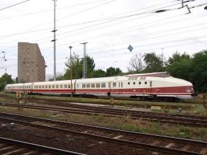 リヒテンベルク駅の片隅に保存されているVT18 / Preserved VT18 at Berlin-Lichtenberg.
