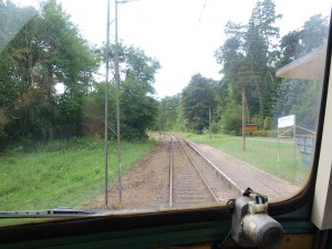 Waldsieversdorf駅停車中、運転席より / Cab view at Waldsieversdorf station.