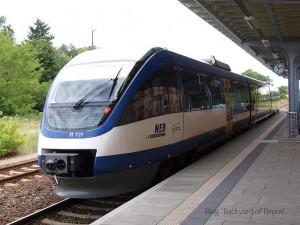 ベルリンからのコストシン行きローカル列車。列車の運行業務はニーダーバルニム鉄道(Niederbarnimer Eisenbahn)によって行われていました / A Niederbarnimer Eisenbahn train from Berlin-Lichtenberg. Taken at Müncheberg(Mark).