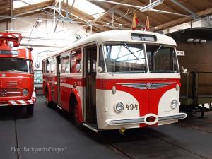 20090926_172415プラハ市バス(チェコ・プラハ_公共交通博物館)_small
