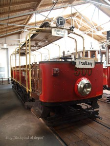 20090926_173449プラハ市バス(チェコ・プラハ_公共交通博物館)_small