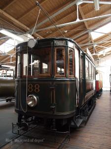 20090926_173717プラハ市バス(チェコ・プラハ_公共交通博物館)_small
