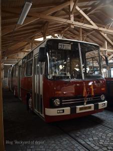 20090926_180030プラハ市バス(チェコ・プラハ_公共交通博物館)_small