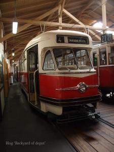 20090926_181631プラハ市バス(チェコ・プラハ_公共交通博物館)_small
