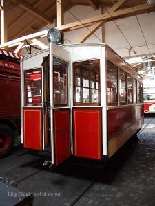 20090926_182633プラハ市バス(チェコ・プラハ_公共交通博物館)_small