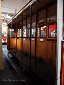 20090926_182651プラハ市バス(チェコ・プラハ_公共交通博物館)_small