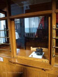 20090926_182709プラハ市バス(チェコ・プラハ_公共交通博物館)_small