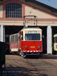 20090926_185058プラハ市バス(チェコ・プラハ_公共交通博物館)_small