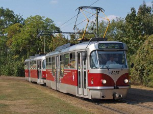 Pražský hrad電停に到着するタトラT3R.PLF / A Tatra T3R.PLF at Pražský hrad.