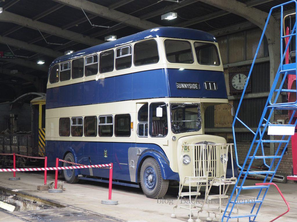 バスも車庫を共用しています。これは元ロザラム市内バスのダイムラーCVG6。