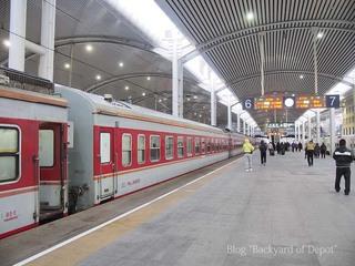 20121222_082026_中国国鉄(大連駅)_01_.jpg
