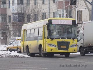 20121221_153029_長春のバス(南阻路)_01_トリミング.jpg